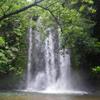 ター滝での川遊びツアー