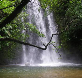 ター滝トレッキングツアー